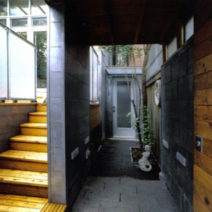 L'entrée arrière et l'accès à la terrasse