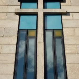 Le nouveau vitrage de l'ancienne résidence des sœurs, ÉMICA