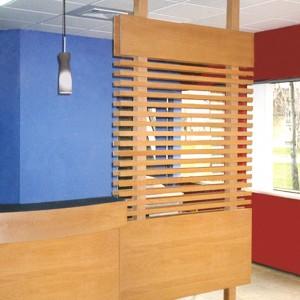 Le comptoir d'accueil à la clinique dentaire de Sainte-Foy